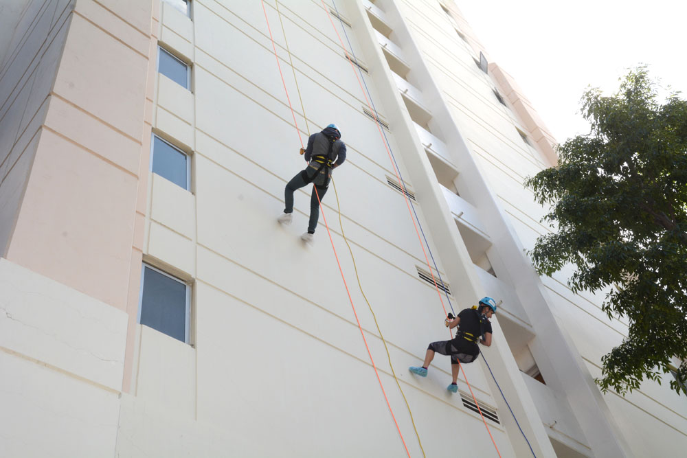 Joshua Singh Real Estate goes Over the Edge to support veterans